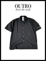 OUTRO-feer de seal- Open coller hyperfit shirt BLK